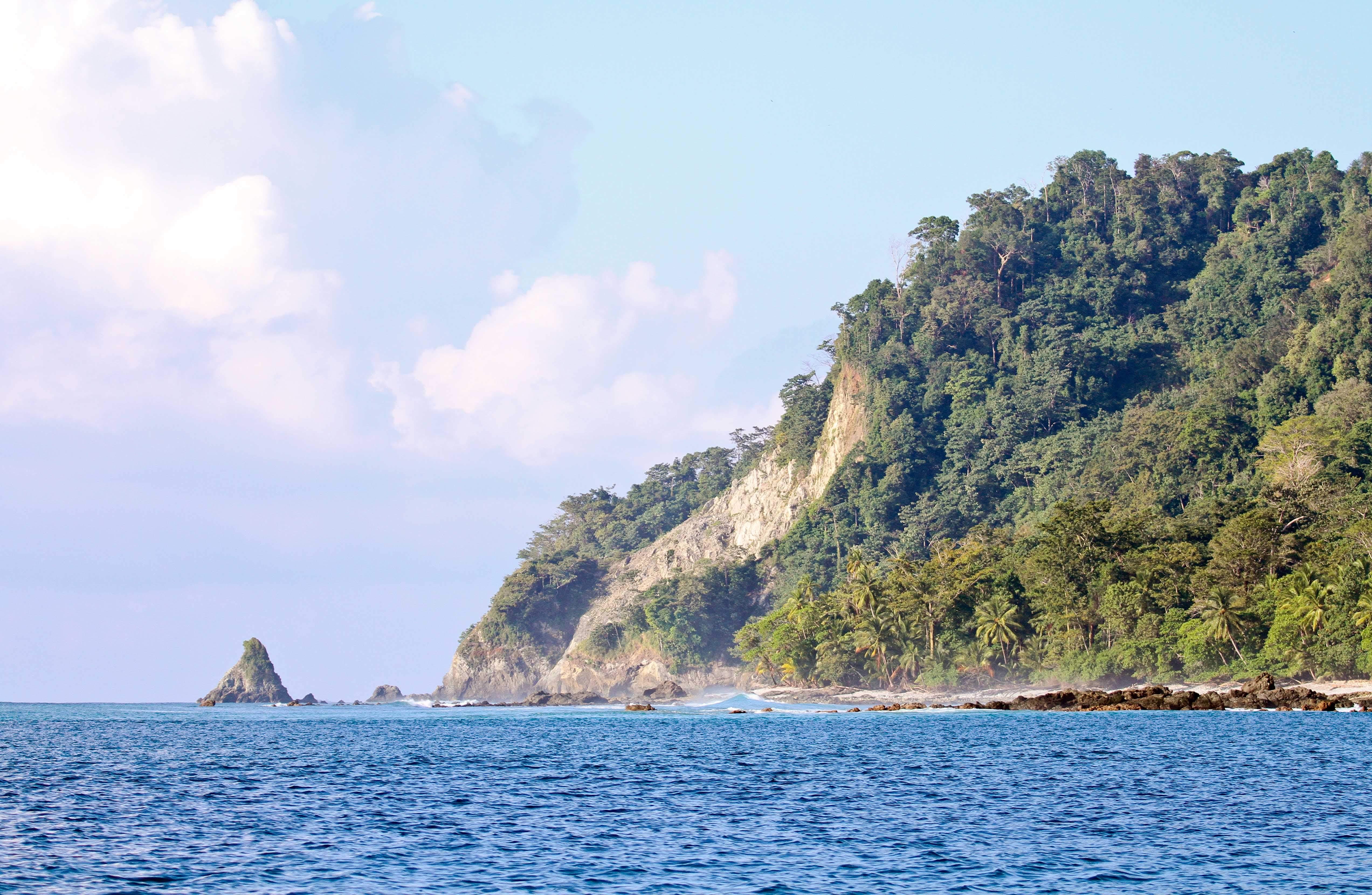 Tuna in tight off Costa Rica 4