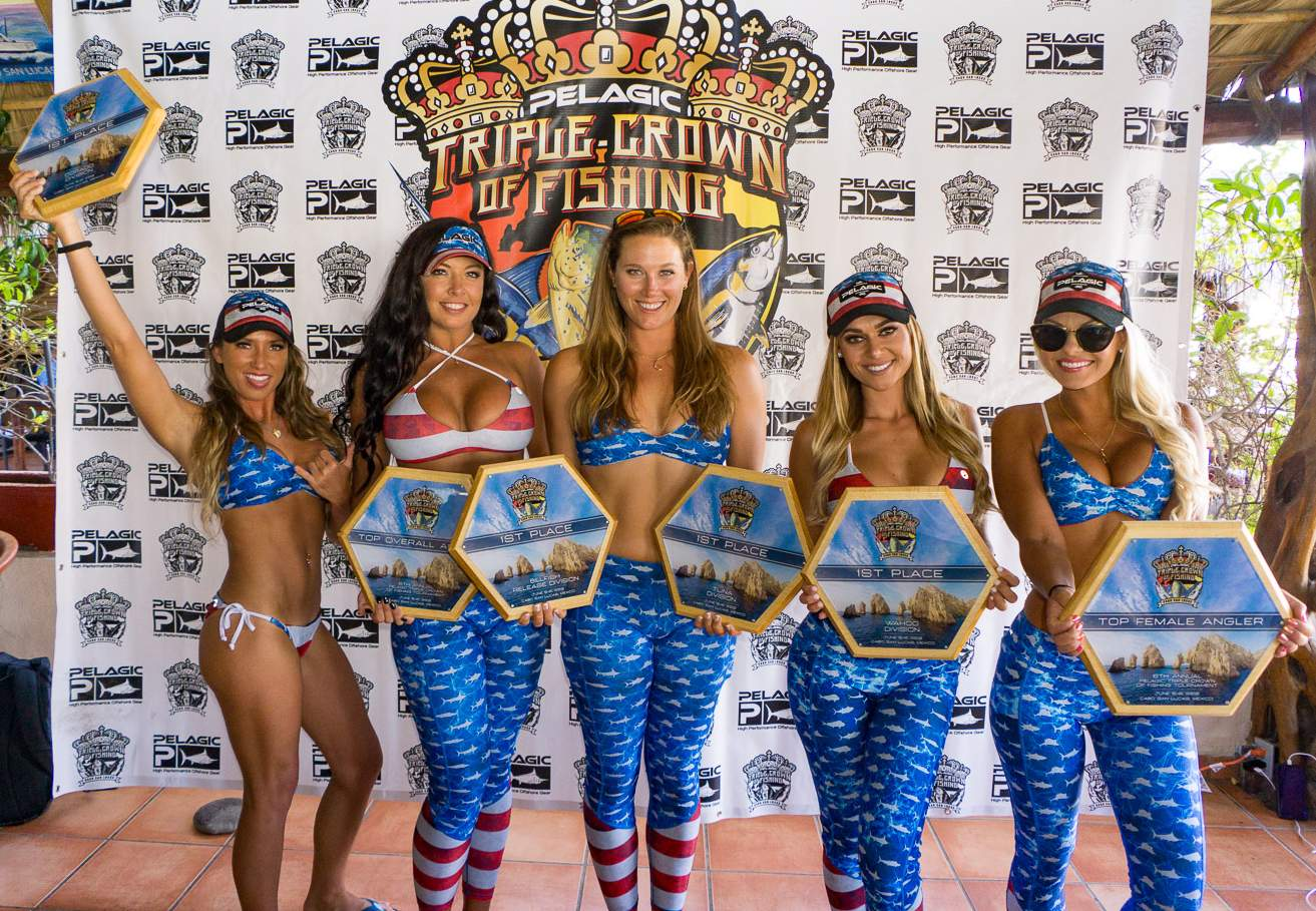 2019 Pelagic Triple Crown Cabo Girls with Trophies