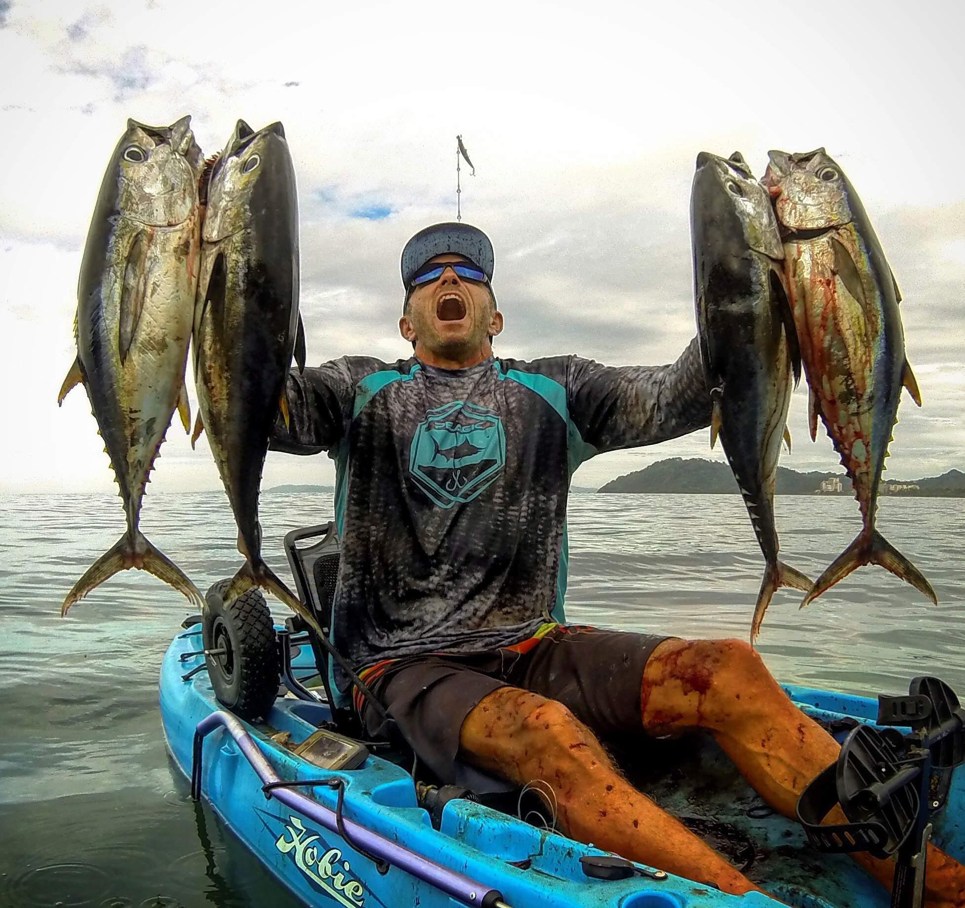 Tuna in tight off Costa Rica 5
